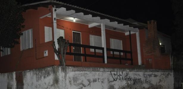 30-ago-2014---residencia-onde-mora-patricia-moreira-que-praticou-por-atos-racistas-contra-o-goleiro-aranha-1409449468363_615x300